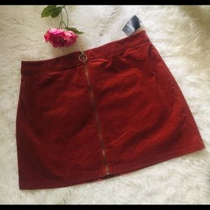 NWT Plus Size Forever 21 Corduroy Mini Skirt. 2X